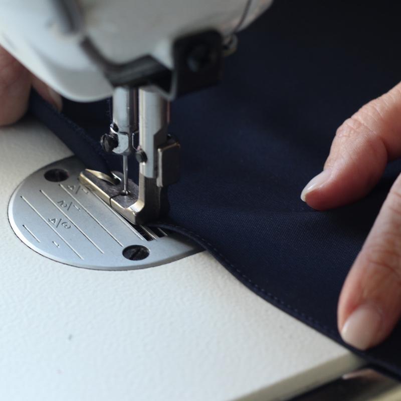 Costura de Lenço de Homem